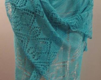 Elegant Lace Shawl in Silk Cashmere Luxury Yarn