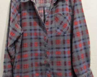 A Men's FADED Vintage 70's Gray & Red Checkered ST0NER era Plaid FLANNEL Shirt By HABAND.M