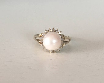 Vintage 14K Yellow Gold Pearl and Diamond Halo Ring - Size 5.25