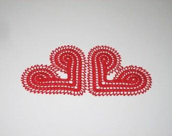Crochet red doily set of 2. Crochet heart doily. Valentine heart doily gift. Valentine decoration. Crochet red kiss doily. Red home decor