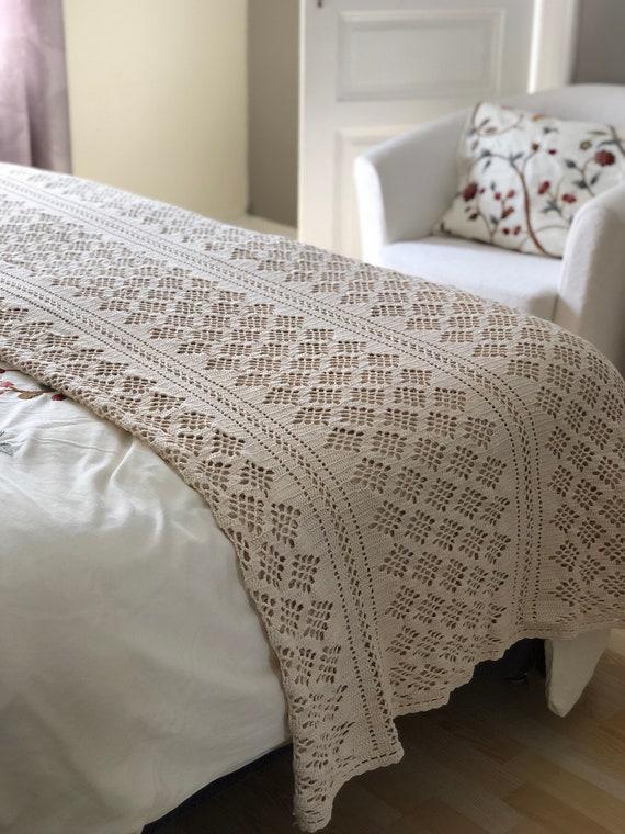 Vintage hand crocheted blaket overcast /Scandinavian traditional pattern / boho bohemian crochet style cotton beige