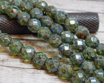 8mm - Picasso Beads - Czech Glass Beads - Fire Polished Beads - Round Beads - Faceted Beads - Olivine - Green Beads - 16pcs (5804)