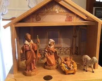 Fontinini Child's First Nativity with Creche ---1991 Excellent