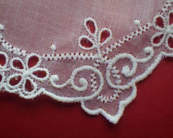Vintage embroidered collar (VL42)