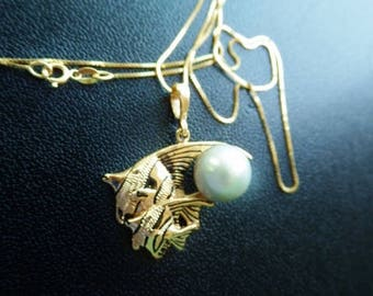 14K Pearl Angel Fish Necklace Charm Pendant Yellow Gold Baby Box Chain Vintage Estate Fine Jewelry Beach Resort Style