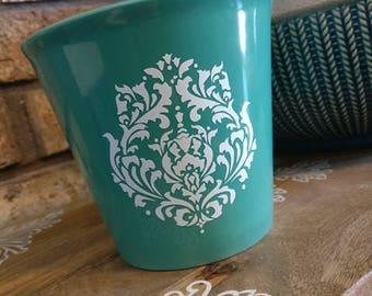 Vintage inspired flower pot in Teal