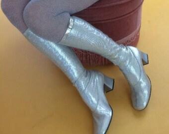 Gogo boots 60s Mettalic Silver new Space age Barbarella