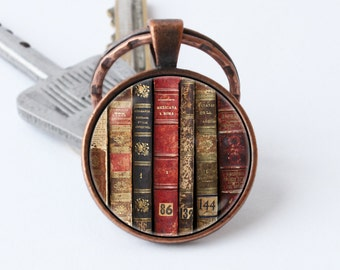 Books keychain Book keyring Librarian key chain Books jewelry Old books pendant Gift for writer Book lover keychain Bibliophiles Bookworms