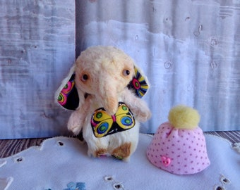 Lee a mini jointed Elephant by Woollybuttbears