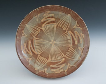 Serving Plate in Shino with White Slip Trail Design