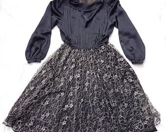Vintage japanese black dress long sleeve lace gold bubble pleated skirt 11