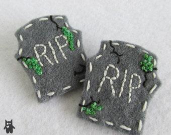 Hand Sewn Tombstone Brooch//RIP Brooch