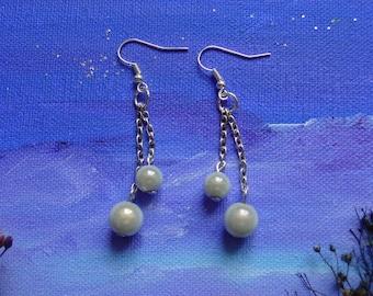 Boucles d'oreilles pendantes perles en verre grises