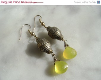 ON SALE SALE Sale Sale   Yellow Chalcedony Earrings