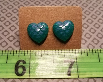 Mermaid   Dragon Scale Heart Earrings   Duo Green-Purple