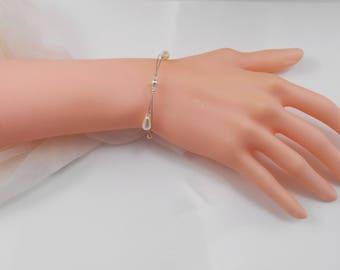 "Handmade wedding bracelet ""Pénélope"" with pearly beads, drops beads and swarovski bicones / bridal"