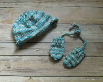 Knitted Baby Hat & Mitts