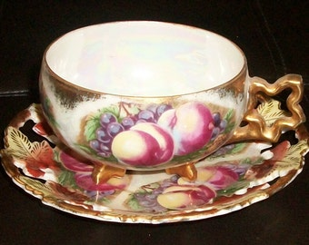 Vintage Royal Sealy Peaches Tea Cup And Saucer Set