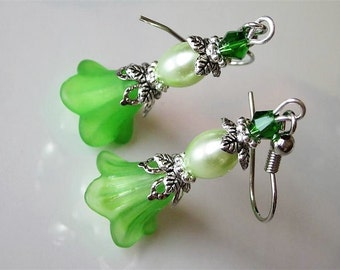 Spring Jewelry, Green Dangle Earrings, Flower Earrings, Lucite Flower
