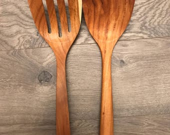 14 inches long and 4 inches wide teak wood pair of ladles