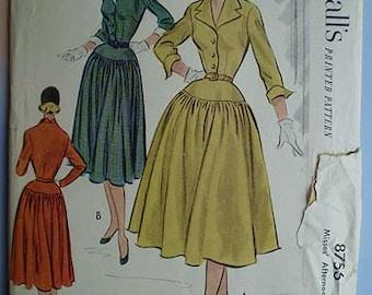 Vintage 50s Full Skirt Dress Uncut Pattern 30