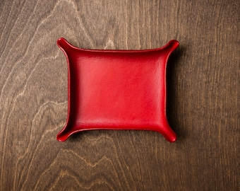 Leather Catchall Medium - Crimson / personalized catchall, valet tray, office organizer, gift for him, house organizer, valentines