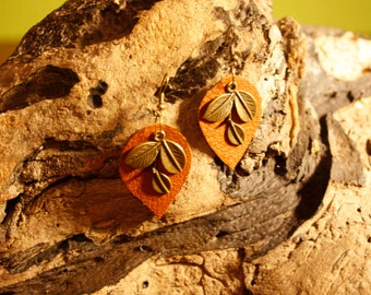 Leather earrings - leather earrings with antique gold - hippie - Bohemian-
