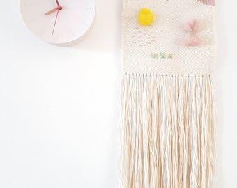 Gewebten Wandbehang mit hellen Frühlingsfarben und eine lebendige Ausführungsplanung