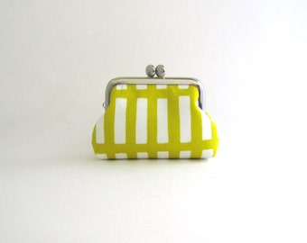 Coin Purse -Frame Mini Pouch Mini Jewelry Case with Ring Pillow - retro bamboo