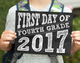 First Day of School signs for 2017 - chalkboard style printable signs, includes 2018 last day signs too, instant download