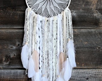 White Cream Dreamcatcher-Boho Chic Dreamcatcher-Dreamcatcher Wall Hanging-Bohemian Dreamcatcher-Boho Bedroom Decor-Wedding Decor-Doily Decor
