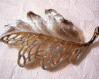 Leaf Pin Brooch Gold Tone Vintage JJ Signed Open Brushed Design
