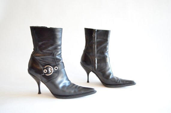 MIU Vintage 1990s 7 MIU ankle boots leather BA5APU