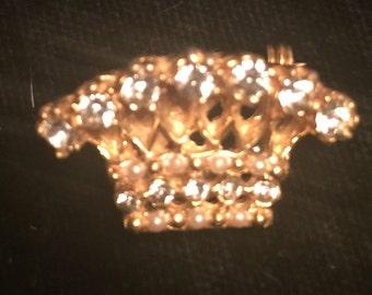 Goldtone Vintage Pin with Rhinestones