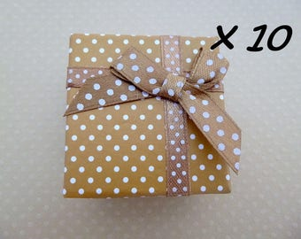 Set of 10 boxes with beige rings 5 x 5 x 3 cm