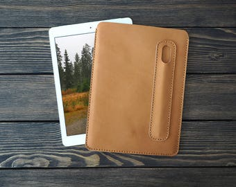 iPad Pro 9.7 inch leather cover. iPad Pro and Apple Pen holder. iPad leather case. Light brown color.