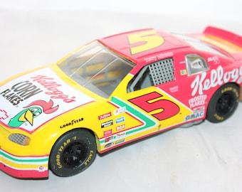 Racing Champions 1995 Terry Labonte Monte Carlo 24 Kellogg's Starburst Diecast Car -- 1/24 -- Nascar, Toy, Kellogg,  Chevrolet