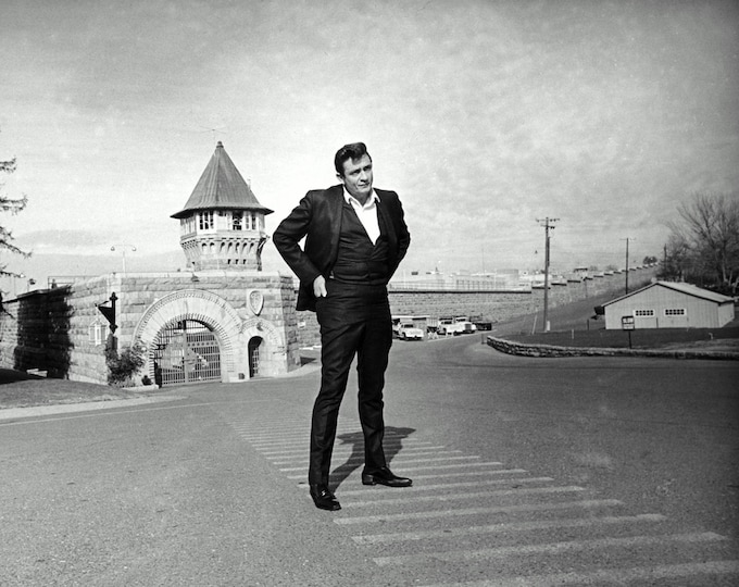 Johnny Cash Stands in Front of Folsom State Prison in 1968 - 5X7, 8X10 or 11X14 Publicity Photo (ZY-908)