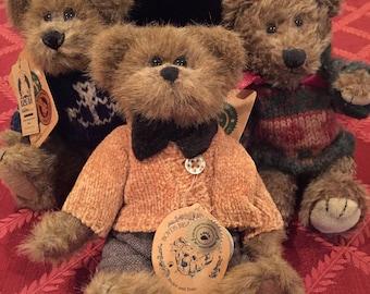 """Lot of 3--BOYDS 8"""" Bears: """"Matthew H Bear"""" (91756), """"Christian""""  & """"Logan"""" (919611)"""