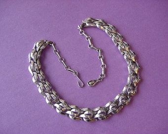 Vintage CORO signed Choker Necklace Smooth & Textured Link Chain 1950s - 1960s