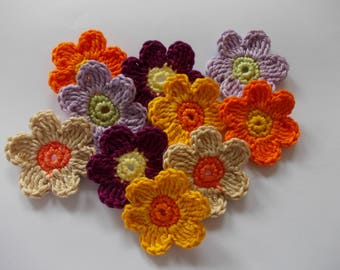 10 Colorful crochet flowers-5 cm tall