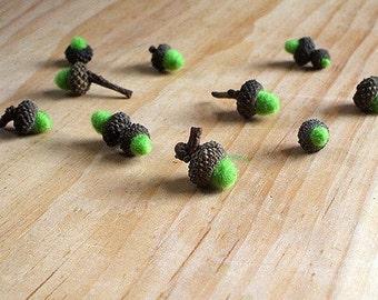 Miniature Wool Spring Green Acorns - Fairy Set of 20 - Seasonal nature table, storytelling or natural decor. Needle felted wool Waldorf gift
