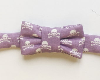 Lavender Skull Print Bow Tie for Cats!