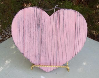 "Chalk painted wooden ""Heart"" decor item"