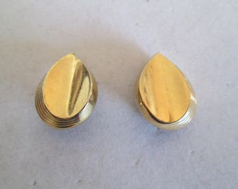 1950's stacked gold leaf clip on earrings