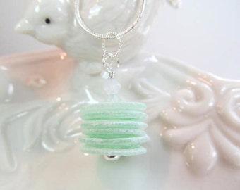 Collier vert Murano empilés des disques de verre, cristaux