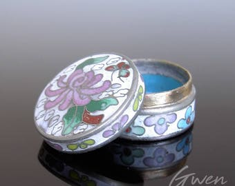 Vintage Tiny miniature Round Enamel Cloisonne Chinese trinket pill jewel Box 1940 Flower Floral