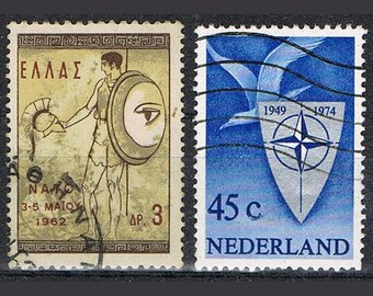 32  Postage Stamps -  Military - War
