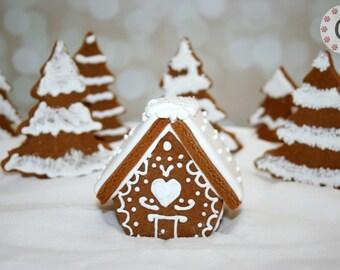 Mini Gingerbread House Cutter - Chalet