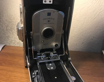 Vintage Polaroid land Camera model 95.
